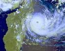 les cyclones dans Oc�an Indien et � la R�union (Dumile, Gam�de, Dina, Jenny, cyclone 48)
